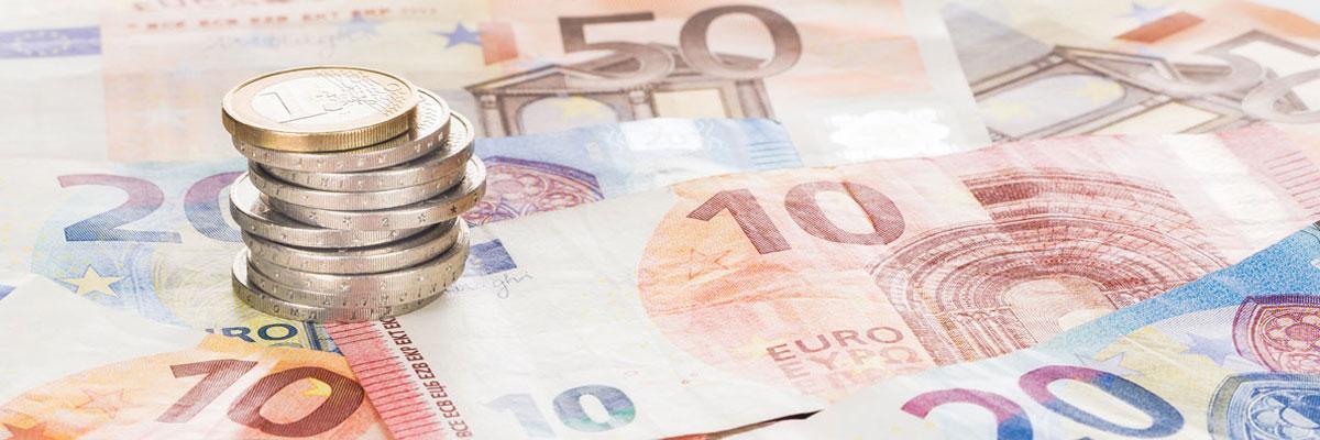 Armut Armutsbericht 2020 Geld Euro